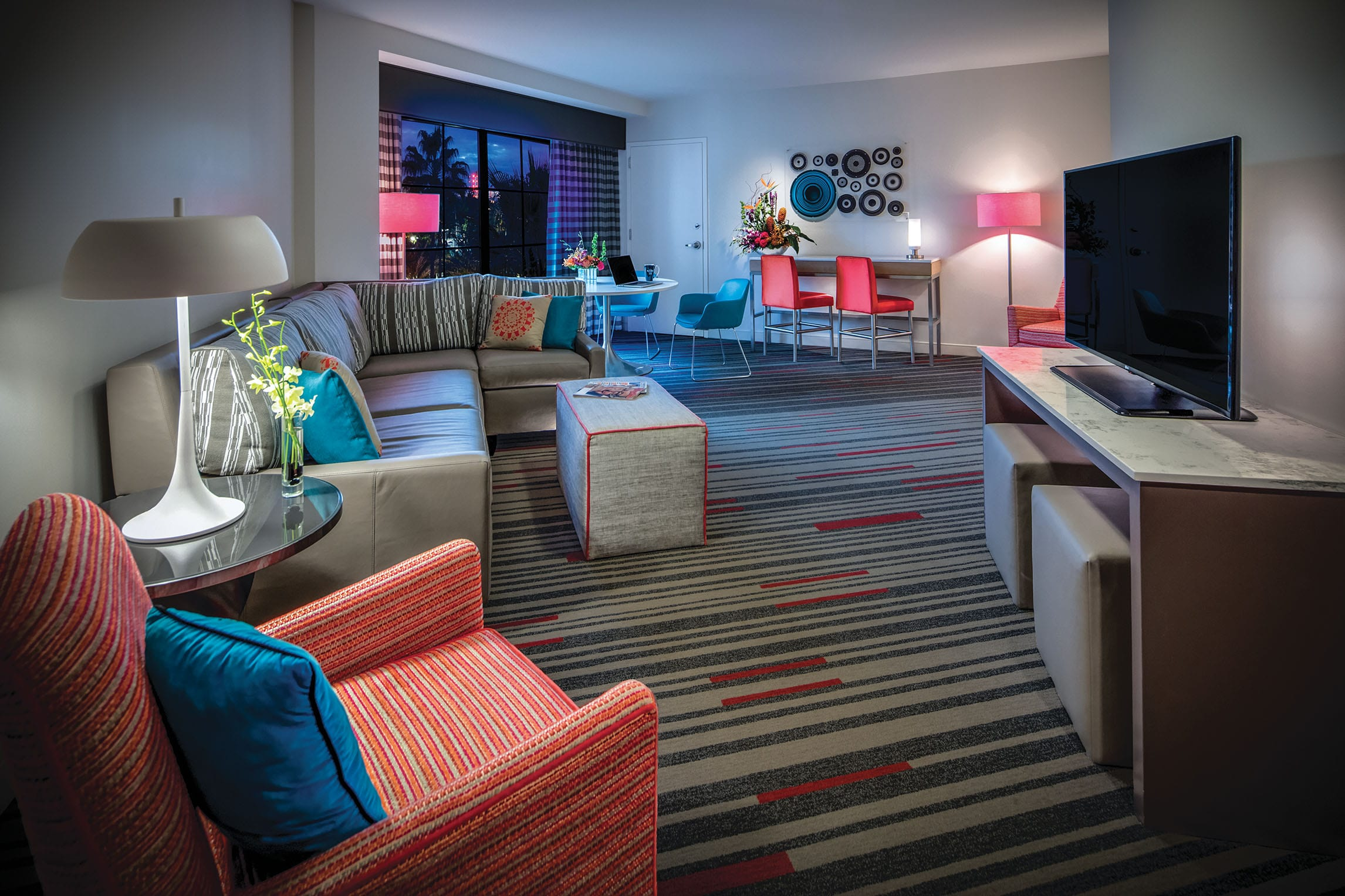 3 Bedroom King Suites. Deluxe 2 Bedroom Suites at Hard Rock Hotel  at Universal Orlando