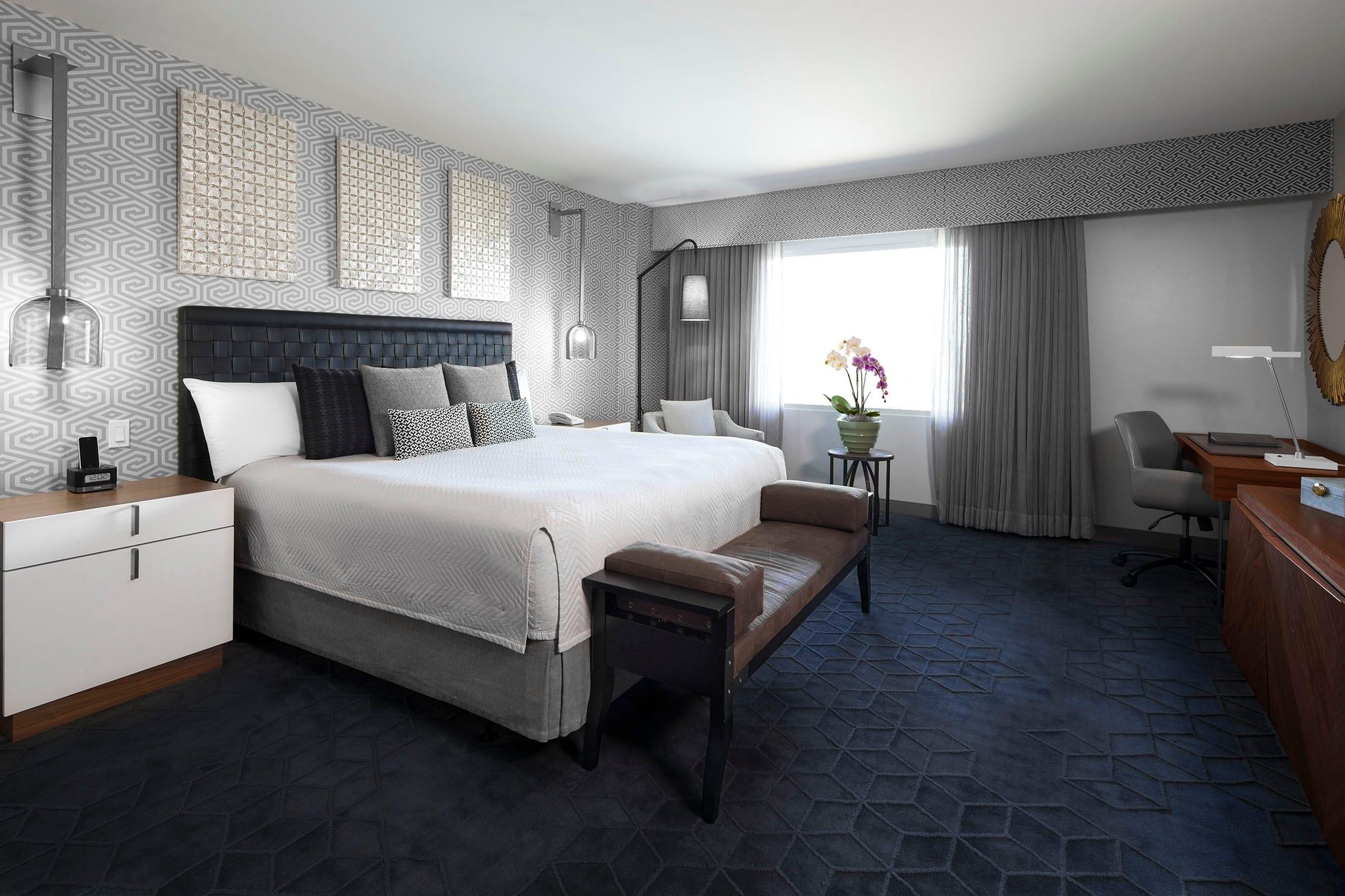 Luxury Orlando Hotel Suites Loews Royal Pacific Resort At Universal Orlando