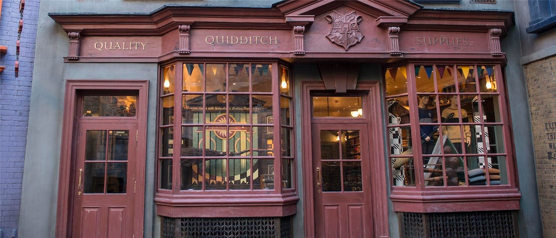 Quality Quidditch Supplies Universal Exploring Diagon Alley...